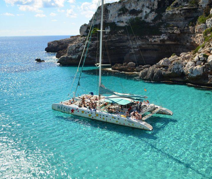 Excursiones-con-catamarán-en-Mallorcab